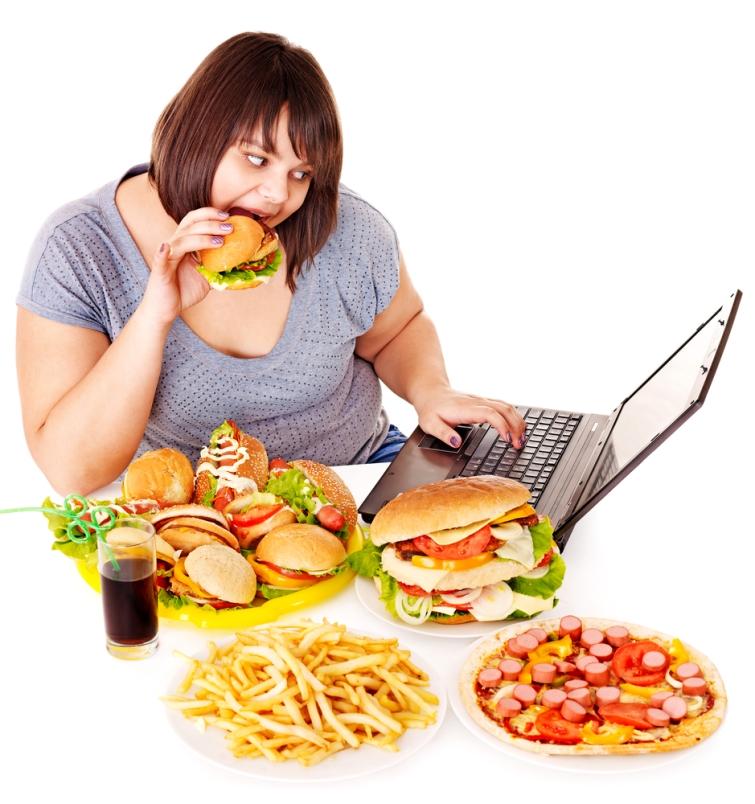 Woman-eating-junk-food.jpg