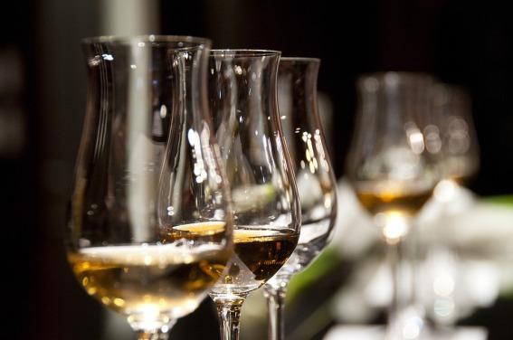 wine-glasses-1246240_960_720